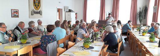 Nicht nur mit Worten, auch mit einem guten Essen sollten Helfer, Unterstützer und Förderer der Beinberger Dorfgemeinschaft Anerkennung sowie Wertschätzung erfahren.  Foto: Privat Foto: Schwarzwälder Bote