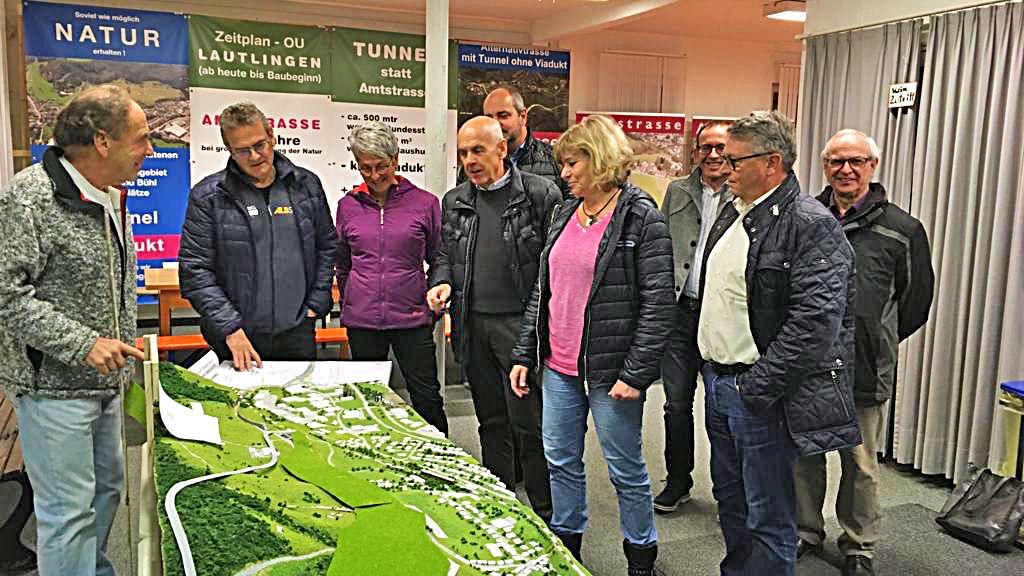 Albstadt: Freie Wähler diskutieren am Objekt - Schwarzwälder Bote - Schwarzwälder Bote