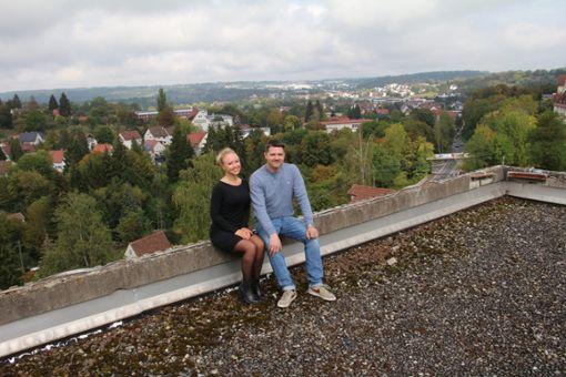 Christina Beer und Marc Unger genießen schon mal die Aussicht. Foto: Huger