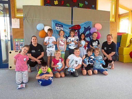 Viel Spaß haben die Kindergartenkinder beim Infotag der DLRG Schömberg. Foto: Kindergarten Foto: Schwarzwälder Bote
