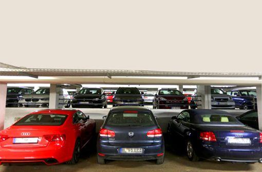 Ausparken kann kompliziert sein - erst recht, wenn man zu viel Alkohol intus hat. (Symbolfoto) Foto: Maier