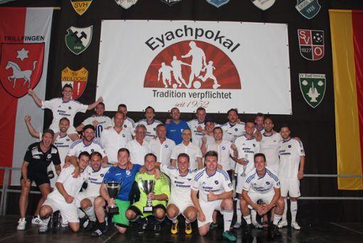 So jubelte der TSV Trillfingen vergangenes Jahr nach dem Eyachpokal dahoam. Sowohl die Aktiven des TSV als auch das TSV-Perspektivteam gewannen ihre Turniere.  Archivfoto: Kost Foto: Schwarzwälder Bote