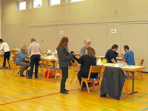 Weit mehr als 200 Teilnehmer verzeichnete die Typisierungsaktion in der Frommerner Turnhalle. Foto: Scherer