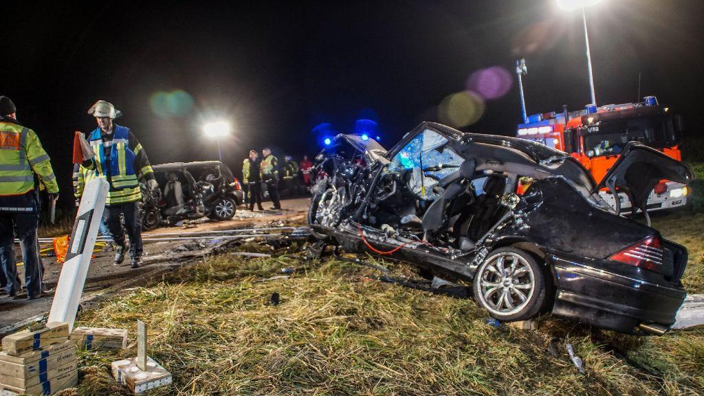 Eine Tote und drei Schwerstverletzte bei Verkehrsunfall in Baden-Württemberg