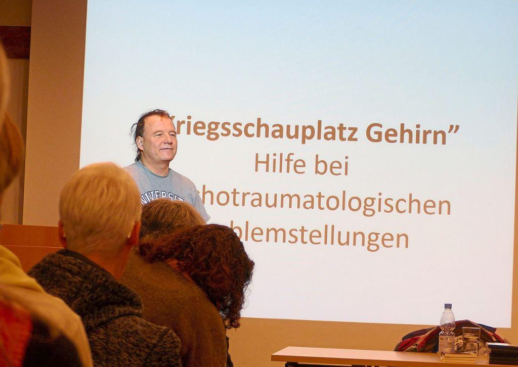 Traumaforscher Thomas Löw schult Ehrenamtliche. Foto: privat Foto: Schwarzwälder Bote
