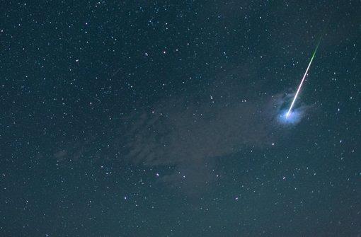 In der Nacht zum Montag gibt es am Nachthimmel wieder viele Sternschnuppen zu sehen. (Symbolbild) Foto: dpa