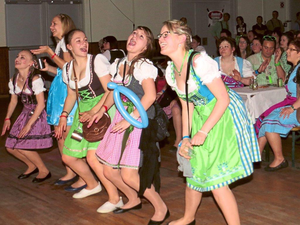 d0a3b3253ccf41 Beste Stimmung bei der vierten Dirndl-Party. Foto: KSV Foto: Schwarzwälder-