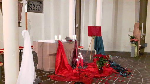 Romantisch geschmückt wird die Kirche für den Gottesdienst am Valentinstag.   Foto: Kirchengemeinde Foto: Schwarzwälder Bote