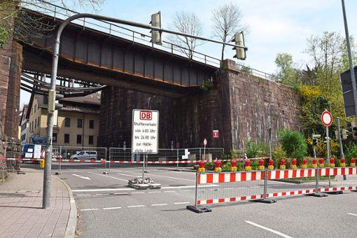 Zu Fuß und mit dem Auto ist hier am Adlereck in nächster Zeit kein Durchkommen. Foto: Rousek
