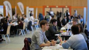Nagold: Azubi-Speed-Dating in der Stadthalle