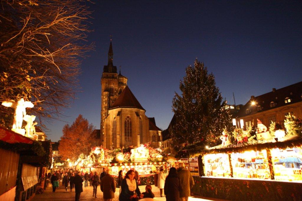 Eröffnung Weihnachtsmarkt Stuttgart 2019.Lichterglanz In Der Stadt Ob Schuster Eröffnet Stuttgarter