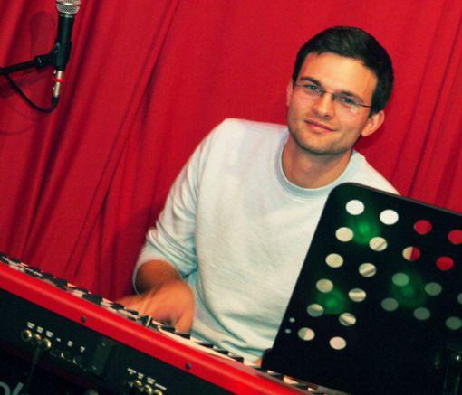 Hat zum Glück für #dieBand die Visitenkarte wiedergefunden: Pianoman Martin Maute. Foto: Schwarzwälder Bote