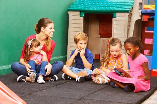 Die Beitragsanhebung für Hechinger Kindertagesstätten war wieder Thema im Gemeinderat.   Foto: ©Kneschke/Fotolia.com Foto: Schwarzwälder-Bote
