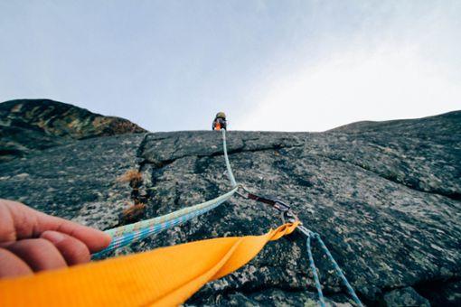Ein 21 Jahre alter Mann aus Oberndorf ist beim Bergsteigen in Vorarlberg in Österreich abgestürzt und gestorben.   Foto: pixabay
