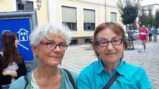 Claudia Lenger-Atan (links) und Renate Schmidt stehen für Frauenpower in der MLPD.   Foto: Schmidt Foto: Schwarzwälder-Bote