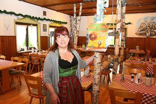 Bianca Wälde, Inhaberin des Wirtshauses Wildpark, lädt dieses Jahr gleich drei Mal zu einem Dinner-Krimi ein.  Foto: Pohl Foto: Schwarzwälder Bote