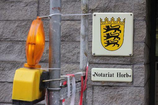 Schilder mit den drei Löwen an Notariaten  werden bald abgeschraubt – dann gibt es nur noch selbstständige Notare in Baden-Württemberg. Foto: Müssigmann