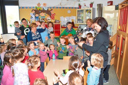Antenne 1-Moderatorin Nadja stattete dem Kindergarten Kleine Strolche einen Besuch ab. Foto: Baiker