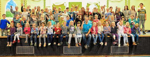 Die jungen Sängerinnen und Sänger vom Kinderchor Eins und Zwei bereiten sich auf das Musical König Keks vor, das in Bildechingens Turn- und Festhalle aufgeführt wird.  Foto: Morlok Foto: Schwarzwälder Bote