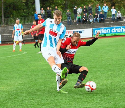 Nach der 0:3-Pokalpleite beim FC 07 Albstadt heißt es für die Spieler der TSG Balingen, schnell den Schalter umlegen und gegen Mitaufsteiger FK Pirmasen drei Punkte anvisieren.  Foto: Kara