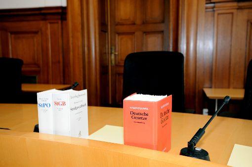 Ein Serieneinbrecher und seine Helfer müssen sich vor dem Rottweiler Landgericht verantworten.   Foto: Nädele