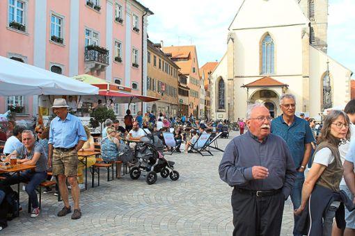 Der Marktplatz und die Fußgängerzone verwandeln sich  in eine Grill- und Chill-Oase.  Fotos: Baum Foto: Schwarzwälder Bote