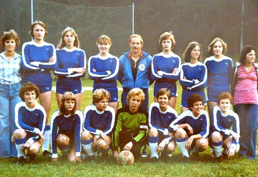 Mit diesem Team startete 1978 der Damenfußball des TSV Stetten. Das Jubiläum wird im Rahmen des Stettenturniers am Wochenende gefeiert.   Foto: Buckenmaier Foto: Schwarzwälder Bote