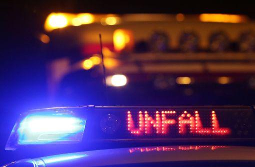 In Trochtelfingen ist am Freitagabend ein 46-jähriger Ducati-Fahrer auf der B 313 tödlich verunglückt.(Symbolfoto) Foto: dpa