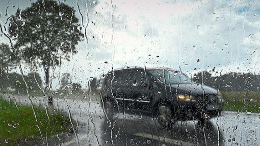 Starke Regenfälle und Sturmböen halten die Region in Atem. (Symbolbild) Foto: Pleul