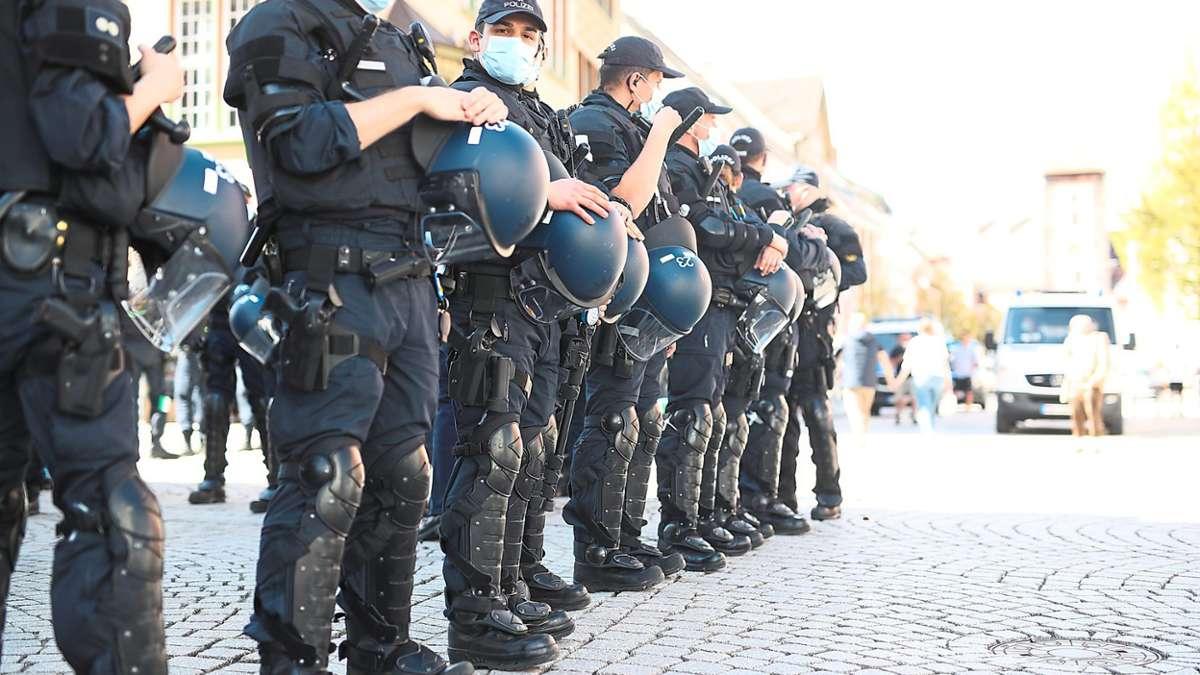 Demo-Verbot-durchgesetzt-Polizei-l-sst-Eskalation-in-Villingen-keine-Chance