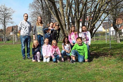 Viel Vergnügen haben die Kinder beim Osterferienprogramm im Schömberger Jugendraum Checkpoint, wo sie von Lisa May und Victor Felde betreut werden.  Fotos: Visel Foto: Schwarzwälder Bote