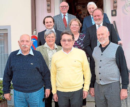 Gerhard Munding, Andreas Bronner und Dietrich Siebert – drei Horber, die den Stadtverband der Horber Senioren-Union in der CDU leiten – umrahmt von Parteiprominenz.  Foto: Morlok Foto: Schwarzwälder-Bote