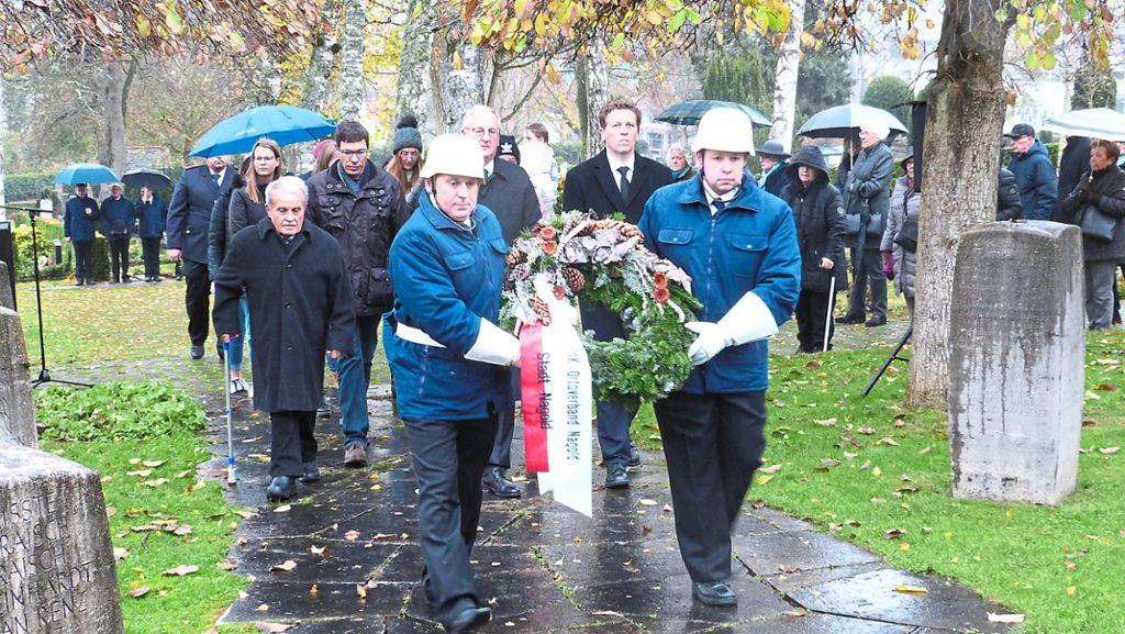 Nagold: An vielen Orten im Kreis Calw gedenken die Menschen der Opfer von Krieg, Flucht und Verfolgung - Nagold - Schwarzwälder Bote
