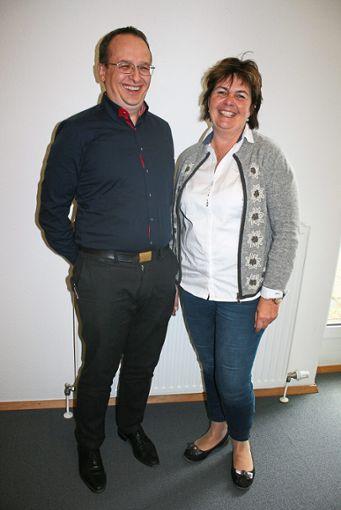 Markus Dörle und Dunja Zimmermann sprechen stellvertretend für die Jäger im Kreis.  Foto: Schück Foto: Schwarzwälder Bote