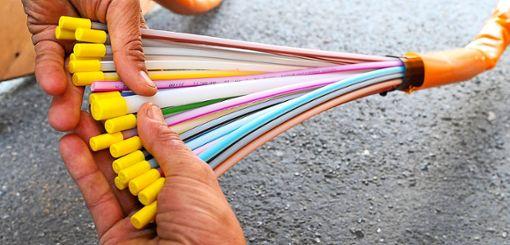 Um  Breitband-Anbindung für Bildungseinrichtungen und Gewerbebetriebe geht es im Gemeinderat.  Symbolfoto: Stratenschulte Foto: Schwarzwälder Bote