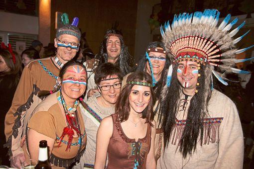 Die Verkleidungen passen zum Motto der Geisternacht Cowboy und Indianer.   Fotos: Bieberstein Foto: Schwarzwälder Bote