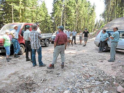 Das Amt für Waldwirtschaft und der Oberwolfacher Gemeinderat sind in den Wald gegangen. Foto: Gemeinde Oberwolfach
