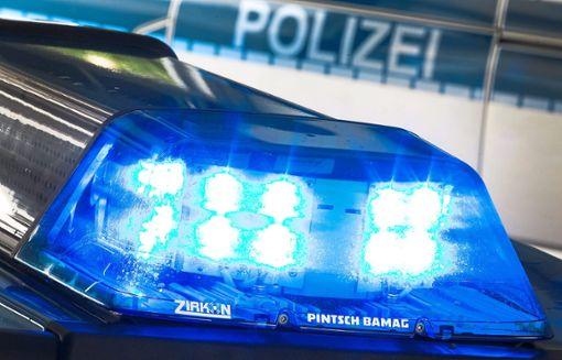 Der 24-jährige Laster-Fahrer wurde bei dem Zusammenstoß schwer verletzt. (Symbolfoto) Foto: Gentsch