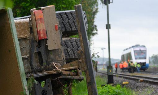 Eine Regionalbahn und ein Lkw sind in Tübingen zusammengeprallt. Foto: dpa