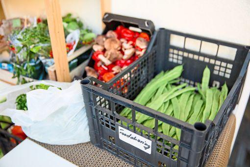 Damit Lebensmittel nicht in der Tonne landen, gehen viele Händler in VS einfallsreiche Wege. (Symbolfoto) Foto: Karmann/Rousek