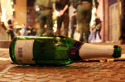 Ein Betrunkener randalierte in Hüfingen und beschimpfte Rettungskräfte und Polizei als Wichser. (Symbolbild) Foto: dpa