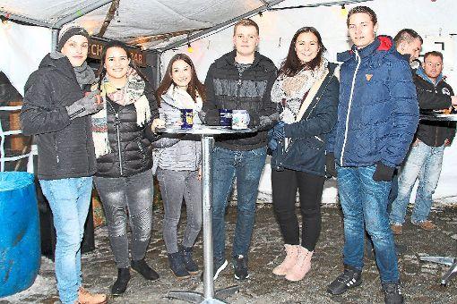 Auf dem Bild einige Jugendhäusler um den Vorsitzenden Sebastian Wegenast (links).  Foto: Lenski Foto: Schwarzwälder-Bote