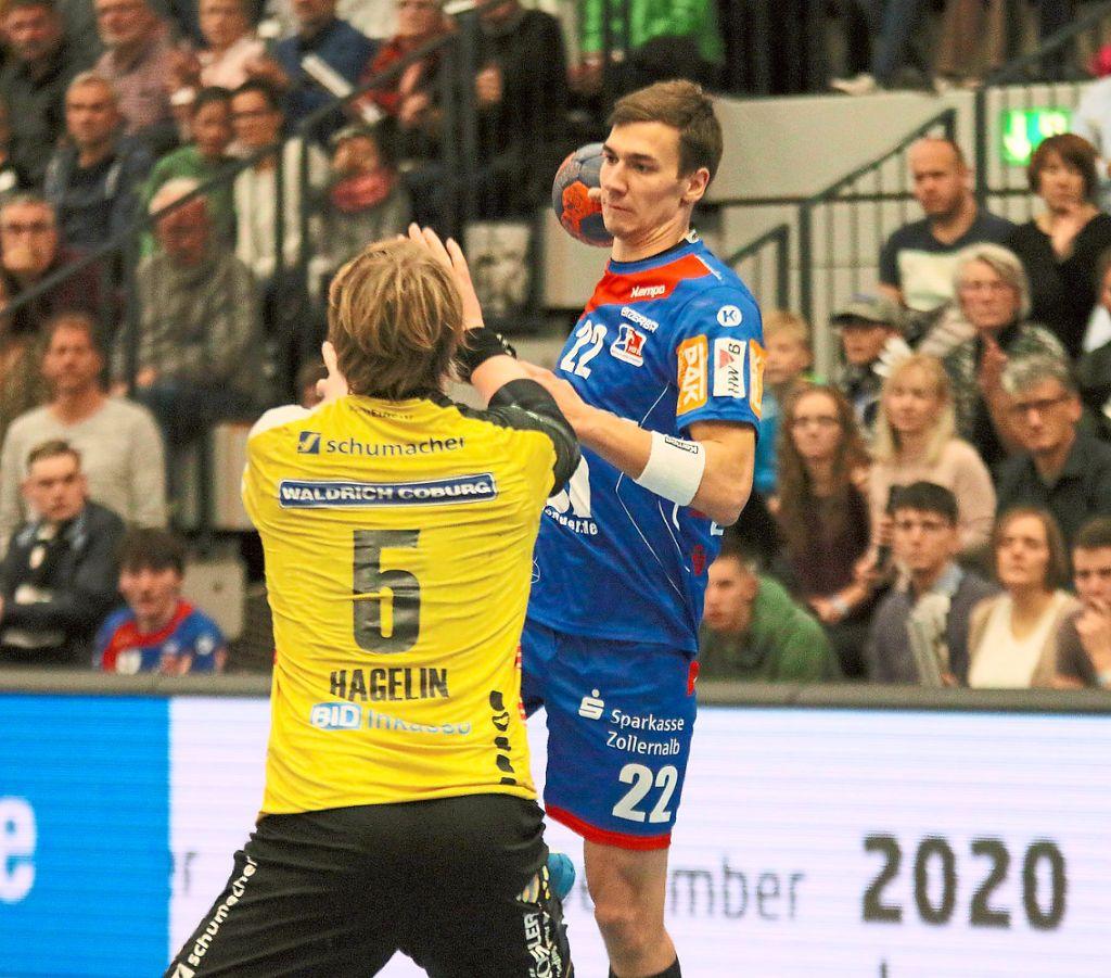 34e6b393c4 Der HBW Balingen-Weilstetten kann am Freitag wieder auf Rückraumspieler  Jona Schoch – hier gegen
