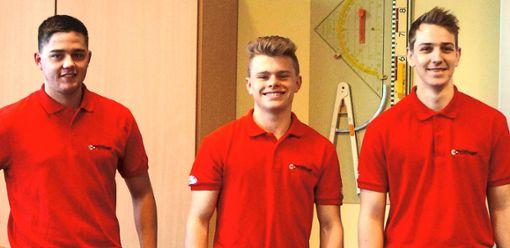 Selbstbewusst und  überzeugend stellen die Auszubildenden Niklas Benz, Maximilian Fleig und Marius Gapp ihren Traumberuf Mechatroniker vor.   Foto: Schule Foto: Schwarzwälder Bote