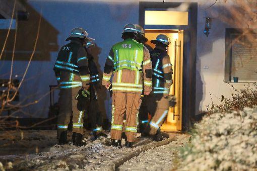 Die Feuerwehr kontrollierte das Haus in Marbach und konnte schnell Entwarnung geben. Foto: Eich