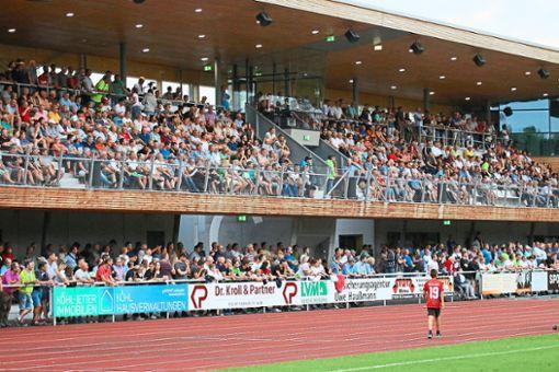 Dominant traten Sascha Eisele (links) und die TSG Balingen vor der Rekordkulisse von 2500 Zuschauern gegen Hoffenheim II auf und erspielten sich zahlreiche Chancen. Dennoch hieß es am Ende 0:0.  Foto: Kara