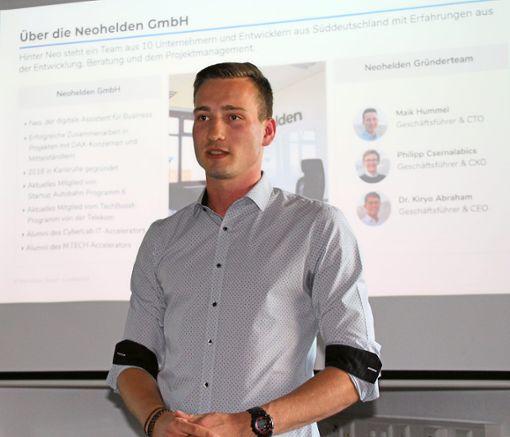 Maik Hummel gab Auskunft über das   erste Jahr seiner Neohelden GmbH.   Foto: Gegenheimer Foto: Schwarzwälder Bote