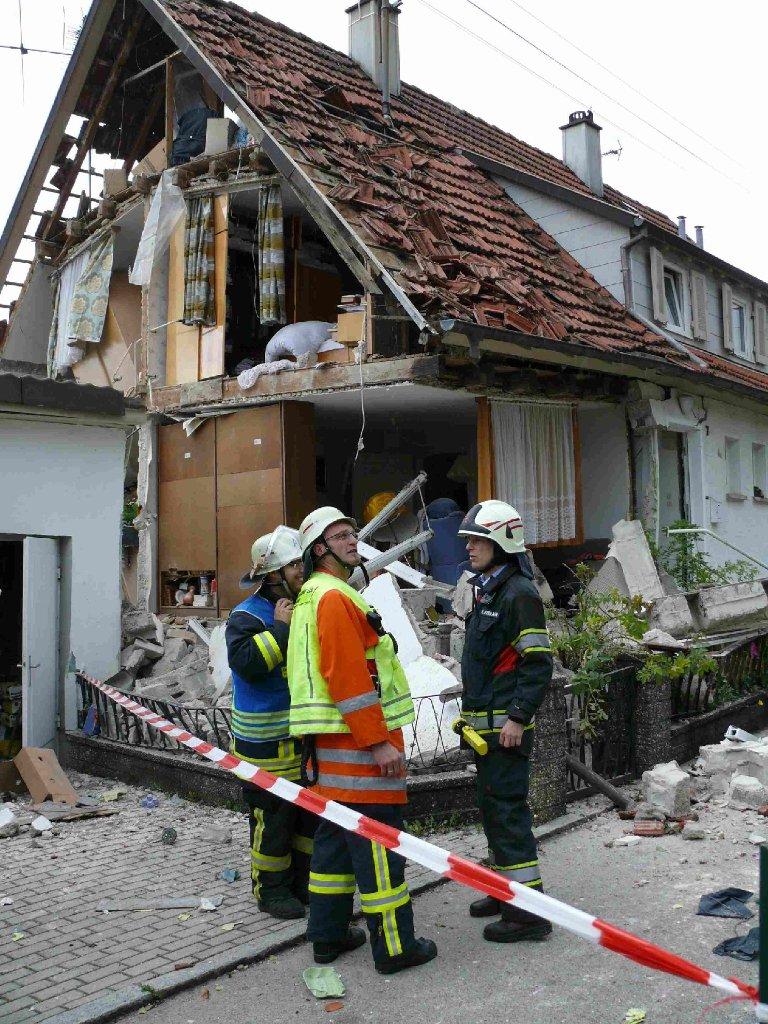 zwei menschen sind bei einer explosion in rosenfeld schwer verletzt worden schwarzw lder bote. Black Bedroom Furniture Sets. Home Design Ideas