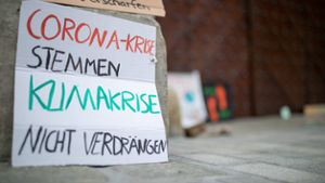 Stuttgart: Fridays for Future-Demonstranten kassieren Corona-Anzeigen