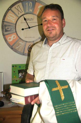 Für Ralf Rötzel brechen neue Zeiten an. Ab  1. Juli ist er hauptamtlicher Diakon in Burladingen und Jungingen.   Foto: Rapthel-Kieser Foto: Schwarzwälder Bote